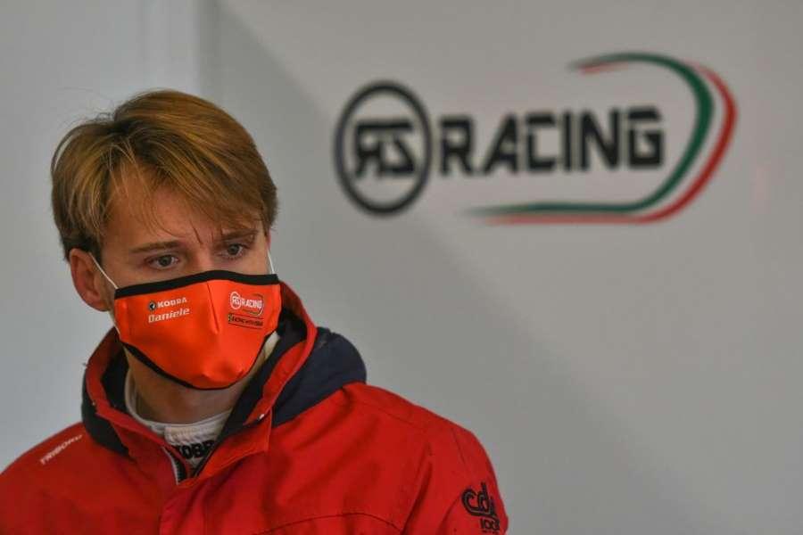 Abbigliamento motorsport e mascherine